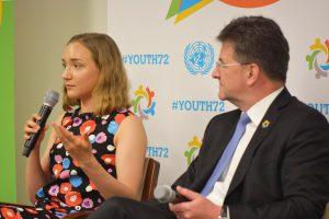 Ella Okko ja YK:n yleiskokouksen puheenjohtaja Miroslav Lajčák paneelikeskustelussa.
