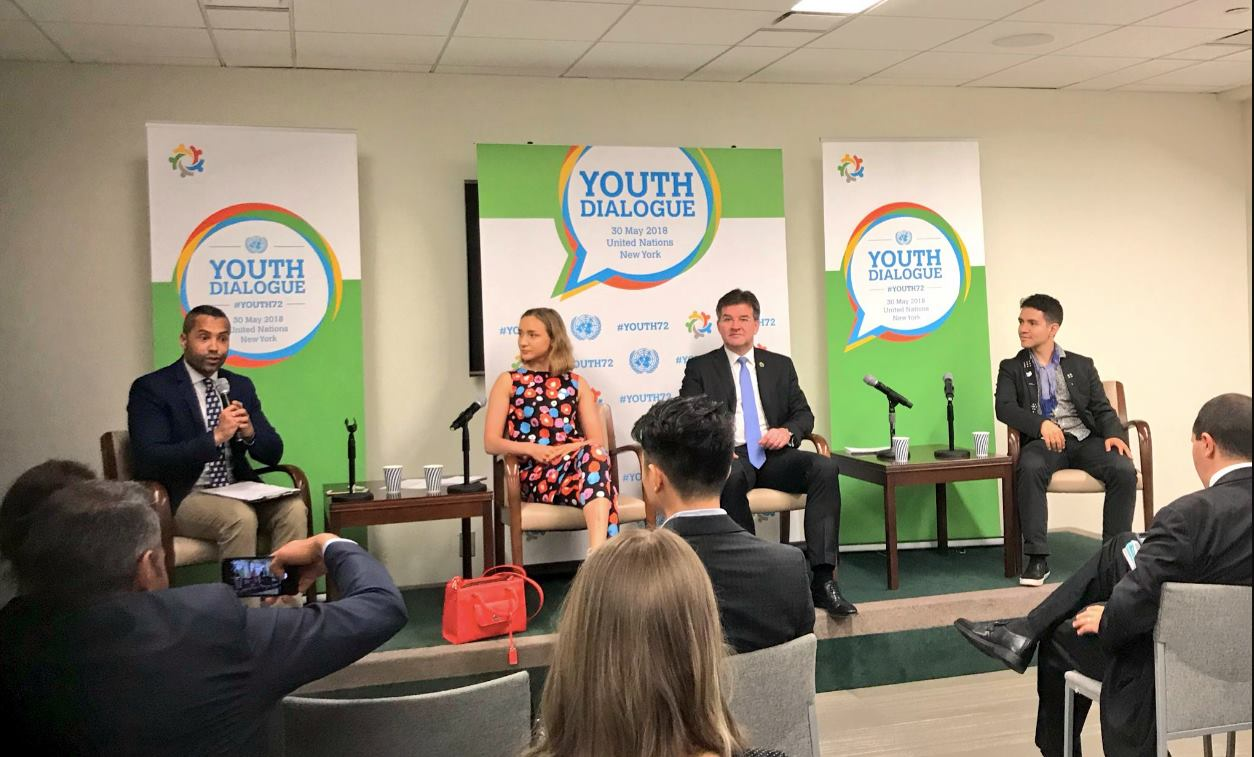 Keväällä 2018 YK:n yleiskokouksen puheenjohtaja kutsui Lennonit puhumaan Youth Dialogue -konferenssiin YK:n päämajaan New Yorkiin. Lennoneita paikalla edusti Ella Okko.